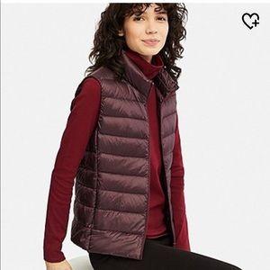 Uniqlo Ultra Light Down Vest in Wine Size M